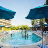 Отель Демерджи с бассейном в Алуште
